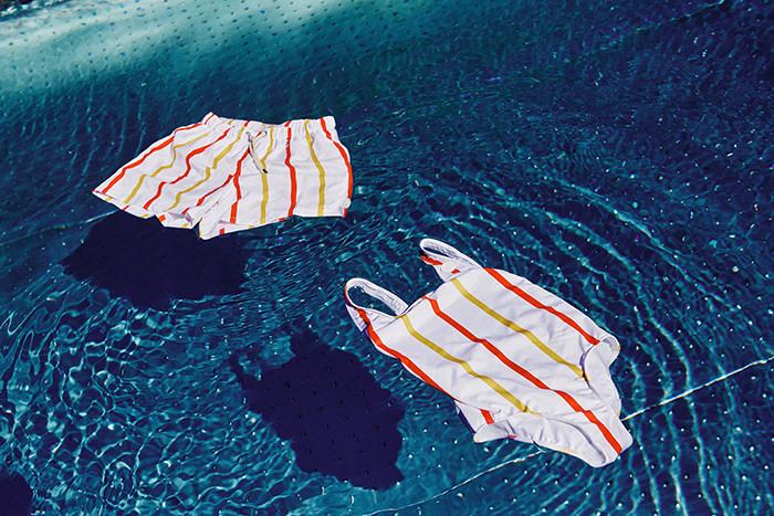 Kostiumy kąpielowe z plastikowych słomek. Nowa akcja McDonald's